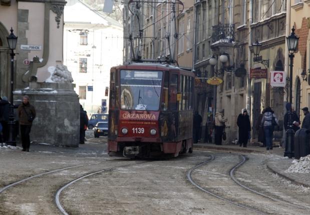 Трамвайно-снігові клопоти