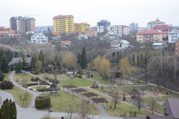 І води в Трускавці попити, і красу Львова побачити