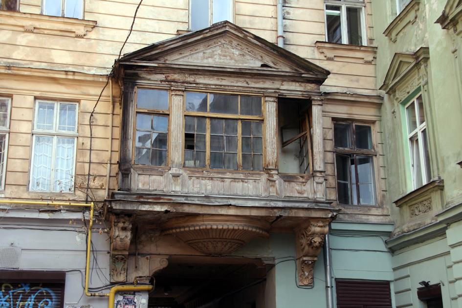 Старые новые балконы..